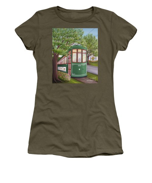 900 On The Avenue Women's T-Shirt (Athletic Fit)
