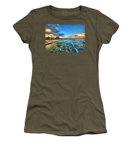 a good morning from Hilton's beach Women's T-Shirt