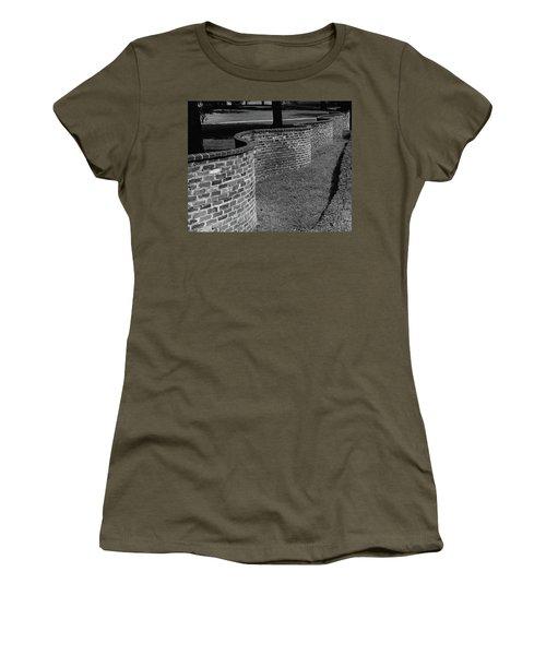 A Serpentine Brick Wall Women's T-Shirt