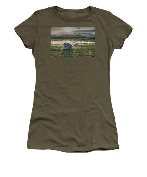Women's T-Shirt (Junior Cut) featuring the photograph A Yellowstone Sunrise And Hazy Morning Ridges by Bill Gabbert
