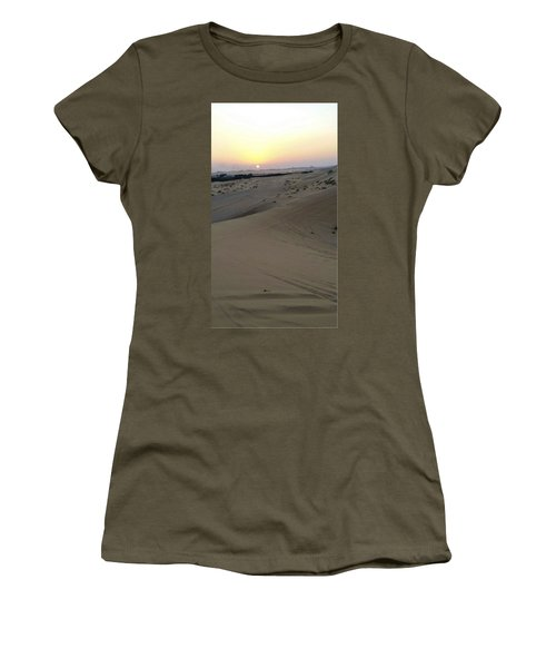 Al Ain Desert 8 Women's T-Shirt