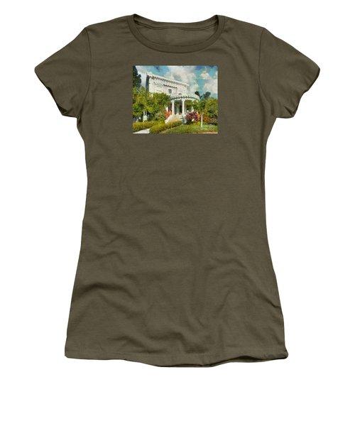 Alameda 1896-97 Colonial Revival Women's T-Shirt (Junior Cut) by Linda Weinstock