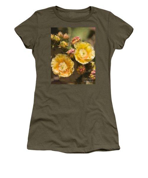 'albispina' Cactus Blooms Women's T-Shirt