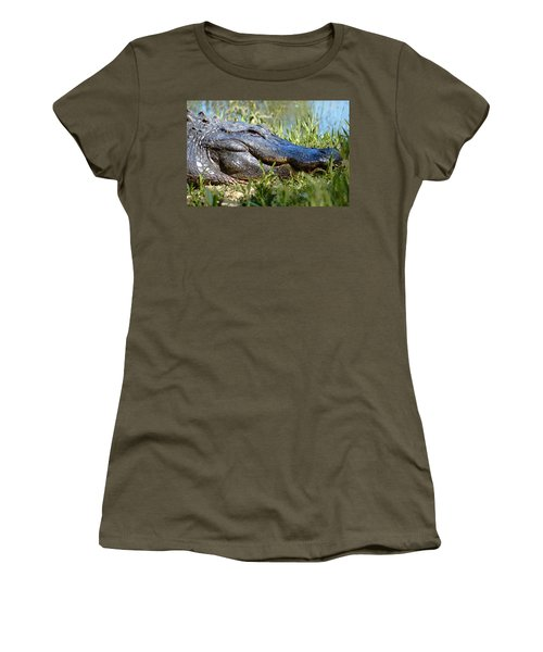 Alligator Smiling Women's T-Shirt (Athletic Fit)