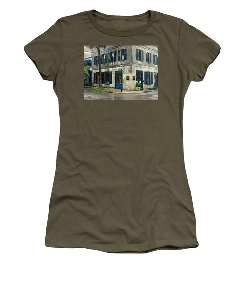 Women's T-Shirt (Junior Cut) featuring the photograph Art Gallery In The Rain by Rodney Lee Williams