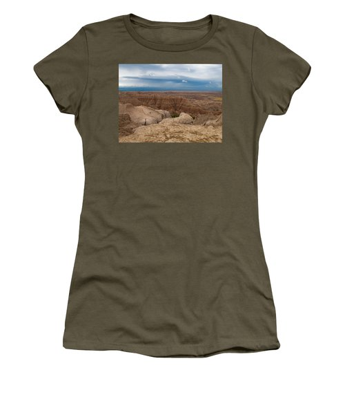 Badlands South Dakota Women's T-Shirt (Athletic Fit)
