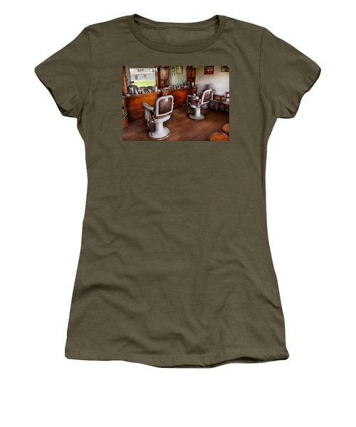 Barber - The Hair Stylist Women's T-Shirt