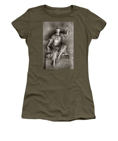 Bargello Sculpture Women's T-Shirt