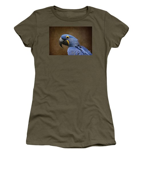 Beauty Is An Enchanted Soul - Hyacinth Macaw - Anodorhynchus Hyacinthinus Women's T-Shirt