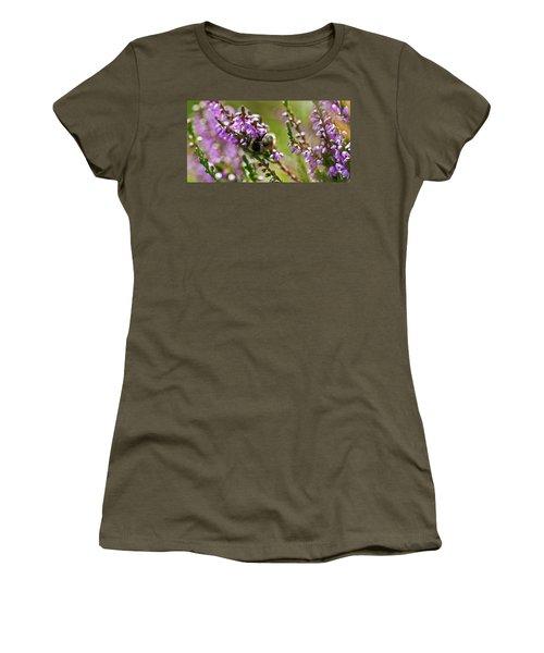 Bee On Heather Women's T-Shirt