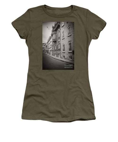 Black And White Old Style Photo Of Old Quebec City Women's T-Shirt