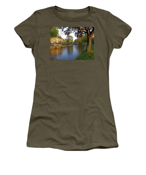 Bourton On The Water 3 Women's T-Shirt (Athletic Fit)