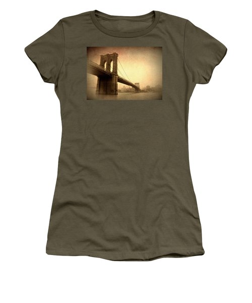 Brooklyn Bridge Nostalgia II Women's T-Shirt