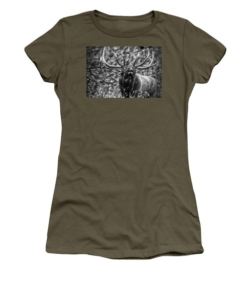 Bull Elk Bugling Black And White Women's T-Shirt
