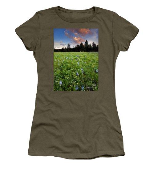 Camas Sunset Women's T-Shirt (Athletic Fit)