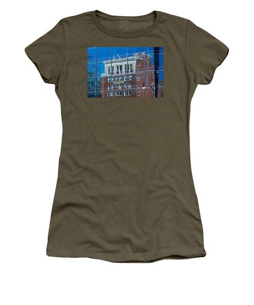 Carpenters Building Women's T-Shirt