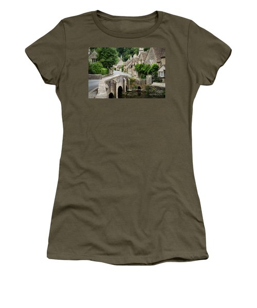 Castle Combe Cotswolds Village Women's T-Shirt (Athletic Fit)