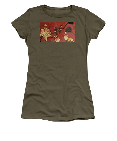 Chinese Red Lacquer Chest Detail Women's T-Shirt