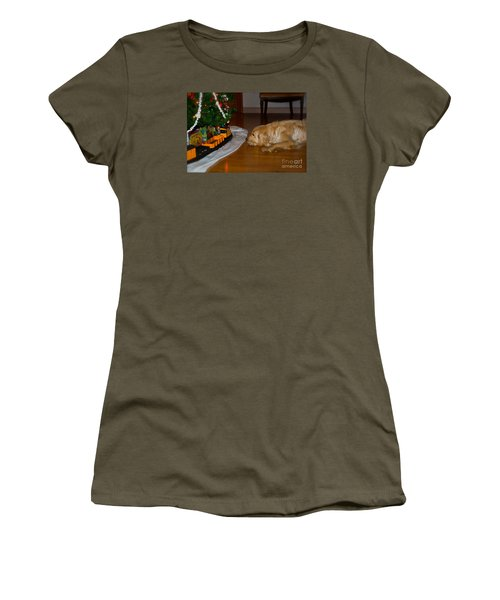 Christmas Train Women's T-Shirt (Athletic Fit)