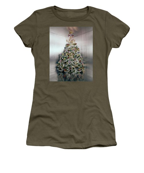 Christmas Tree Decorated By Gloria Vanderbilt Women's T-Shirt