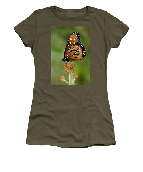 Close-up Pose Women's T-Shirt