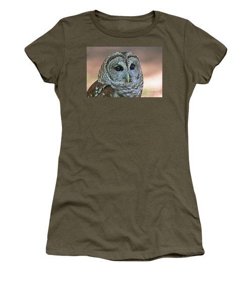 Closeup Of A Barred Owl  Women's T-Shirt
