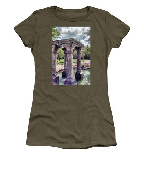 Columns In The Water Women's T-Shirt