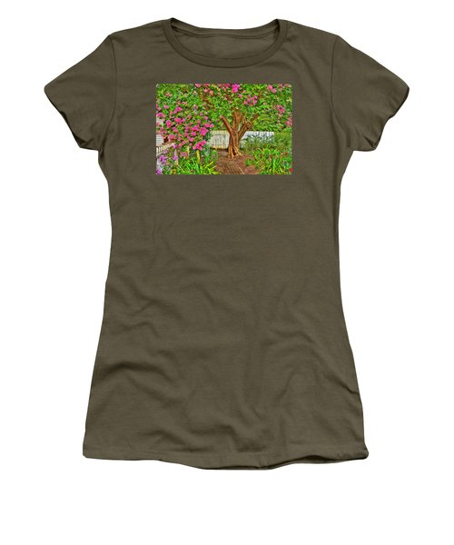 Women's T-Shirt (Junior Cut) featuring the photograph Crepe Myrtle In Wiliamsburg Garden by Jerry Gammon