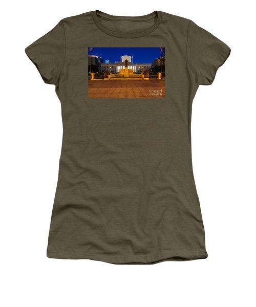 D13l112 Ohio Statehouse Photo Women's T-Shirt