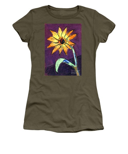 Daisy On Dark Background Women's T-Shirt