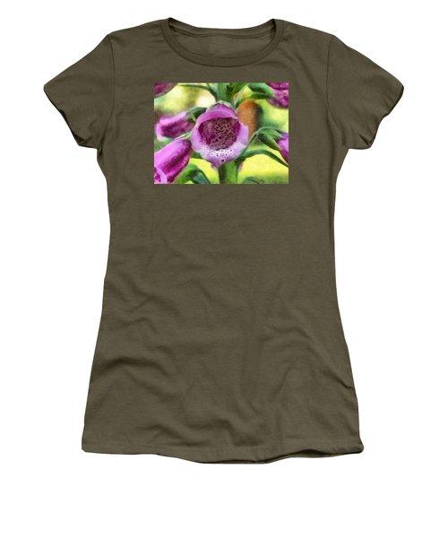 Digitalis Purpurea Women's T-Shirt