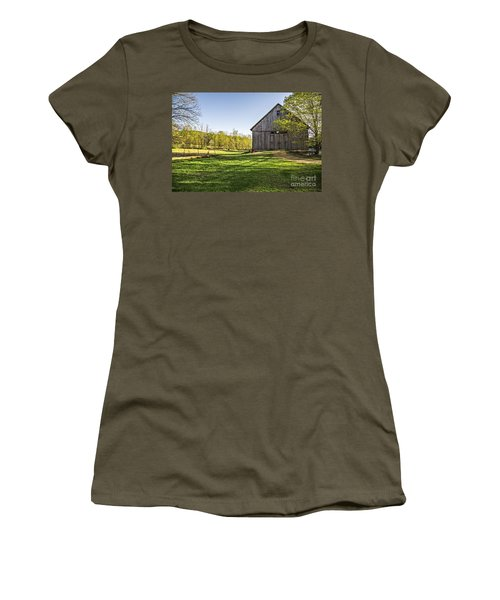 Downtown Metropolitan Etna Nh Women's T-Shirt