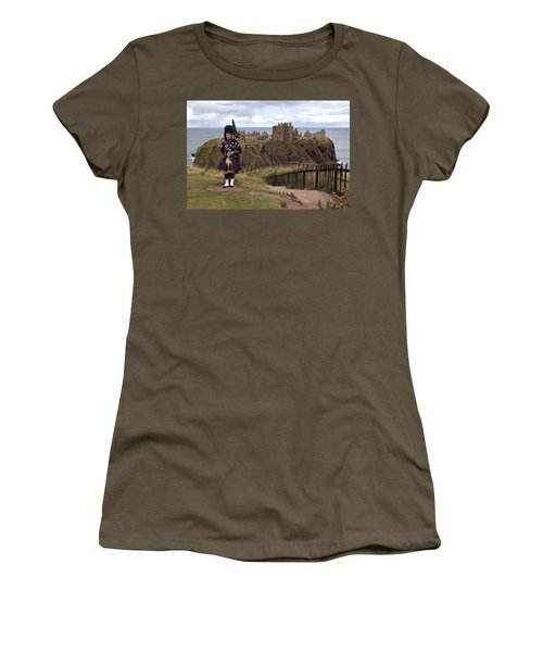 Dunnottar Piper Women's T-Shirt (Junior Cut) by Eunice Gibb