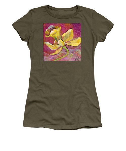 Early Spring Iv Daffodil Series Women's T-Shirt