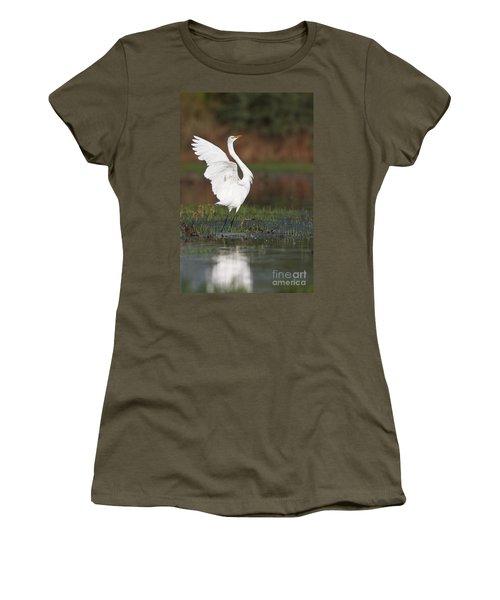 Egret Dancing Women's T-Shirt (Athletic Fit)
