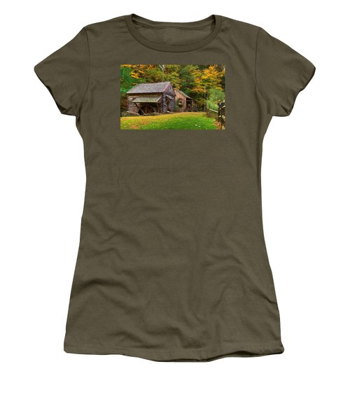 Fall Down On The Farm Women's T-Shirt