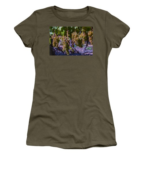 French Colombard Wine Grapes Women's T-Shirt
