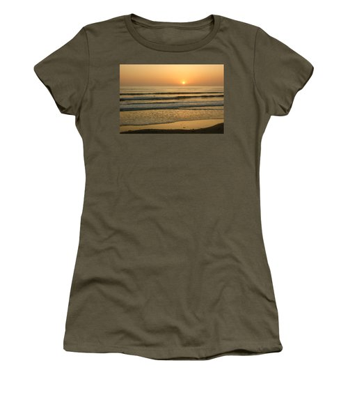Golden California Sunset - Ocean Waves Sun And Surfers Women's T-Shirt (Athletic Fit)
