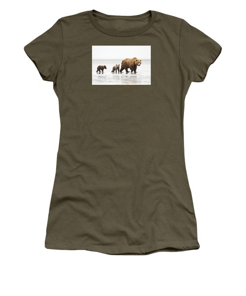 Grizzly Bear Mother And Cubs Lake Clark Women's T-Shirt