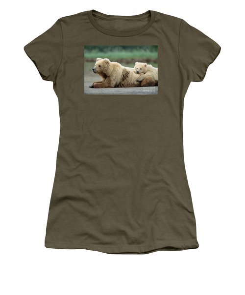 Grizzly Mother And Son Women's T-Shirt