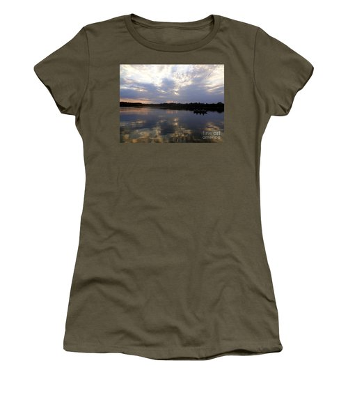 Heading Home On Lake Roosevelt In Outing Minnesota Women's T-Shirt