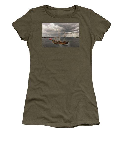 Hmb Endevour Women's T-Shirt (Athletic Fit)