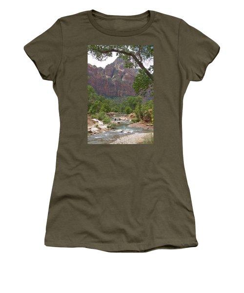 Iconic Western Scene Women's T-Shirt