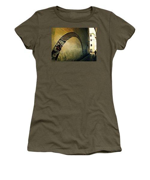 Il Muro  Women's T-Shirt