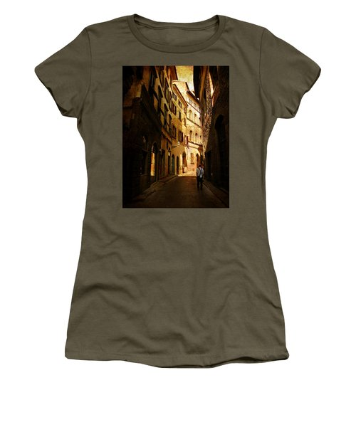 Women's T-Shirt (Junior Cut) featuring the photograph Il Turista by Micki Findlay