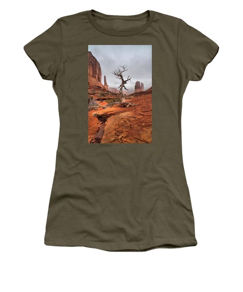 King's Tree Women's T-Shirt (Athletic Fit)