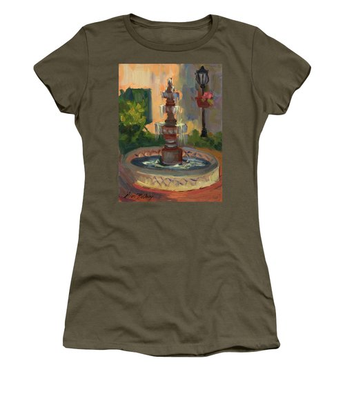 La Quinta Resort Fountain Women's T-Shirt (Athletic Fit)