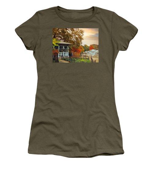 Ladies Pavilion In Autumn Women's T-Shirt
