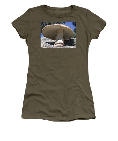 Large Mushroom Women's T-Shirt (Athletic Fit)