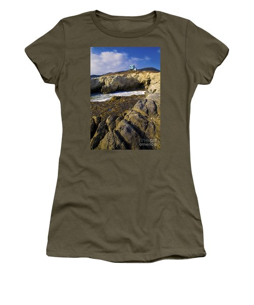 Lifeguard Tower On The Edge Of A Cliff Women's T-Shirt (Athletic Fit)